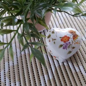 Porcelan Trinket box,made inJapan